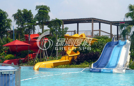 Funny Kids Water Pool Slides Outdoor Spray Park Equipment for Aqua Games